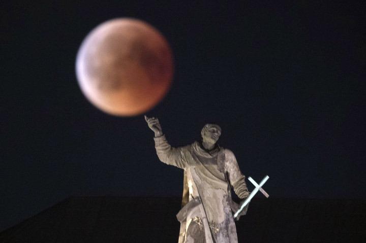 ماه گرفتگی قرمز