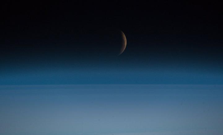 ماه قرمز